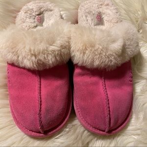 Ugg slippers! Size 5